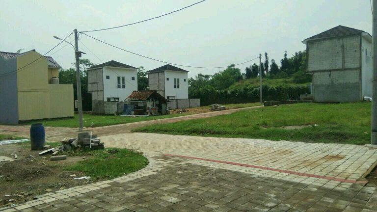 rumah 2 lantai dekat stasiun